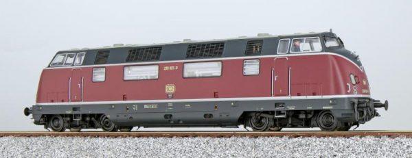 ESU 31331  Diesel Locomotive 220, DB (Digital Sound+Smoke, DC/AC)