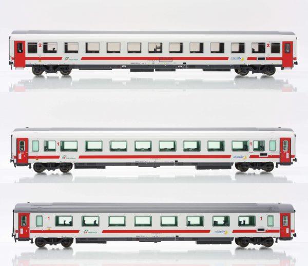 "ACME 55194  3 Passenger Coaches of Trenitalia ""Intercity Day"""