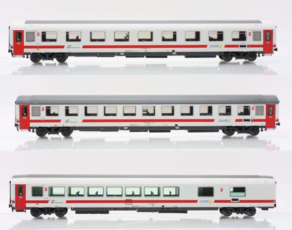 "ACME 55195  3 Passenger coaches of Trenitalia ""Intercity Day"""