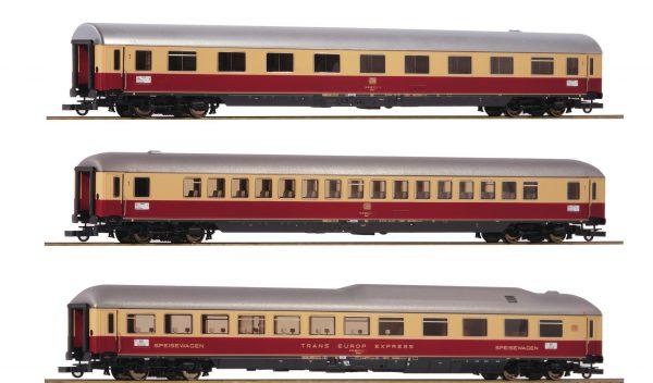 "Roco 74135  3 piece set 1: Passenger coaches ""Rheingold"", DB"