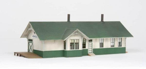 American Model Builders 127  Union Pacific Depot with Freight Dock