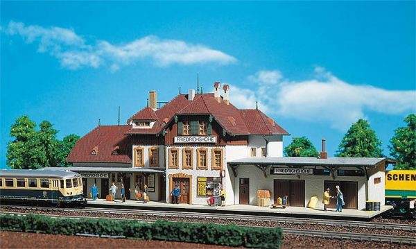 "Faller 110  Train Station ""FRIEDRICHSHOUHE"""