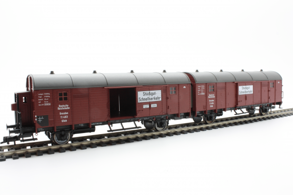 Fleischmann 5306  Two coupled box wagons, DRG