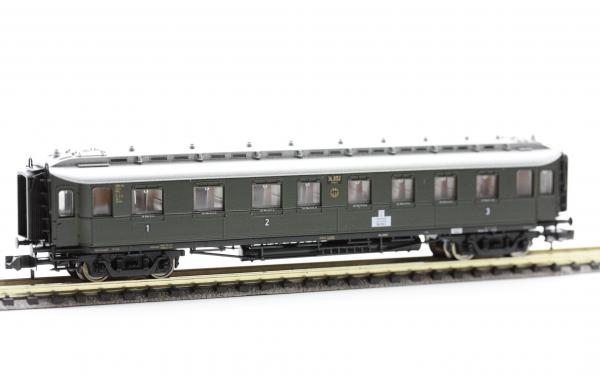 Fleischmann 8082  1st / 2nd / 3rd class coach, type ABC 4ü Pr09, DRG
