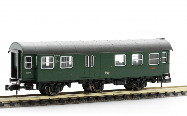 Fleischmann 8097  3-axled, 2nd class Passenger coach with baggage compartment, DB