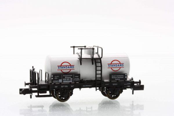 "Fleischmann 8422  ""Altona"" tank wagon with brakemans cab, DRG ""Standard"""