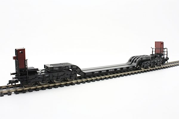 Fleischmann 5296  8-axle, low-load wagon w/ 2 brake cabs, DRG