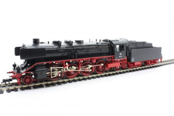 Fleischmann 4138  Steam Locomotive class 39.0-2, DB