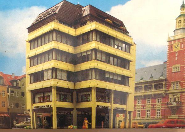 Kibri 8220  High-rise building