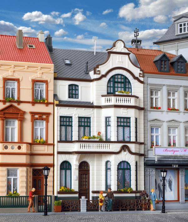 Kibri 8286  Townhouse with upper studio Bonn