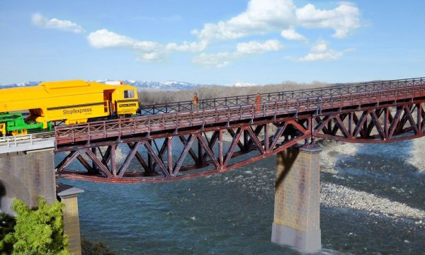 Kibri 9698  Fish belly beam bridge, single track
