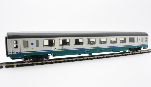 Roco 45431  FS 1st class Gran Confort Passenger Wagon