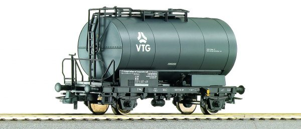 Roco 46137  Tank wagon of the VTG