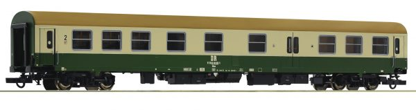 Roco 74805  2nd class express train passenger coach w/baggage compartment, DR