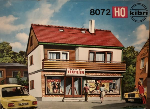 Kibri 8072  Single Family home with Schmitt Textilien Shop