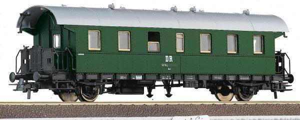 Roco 54201  2nd class passenger car, DR