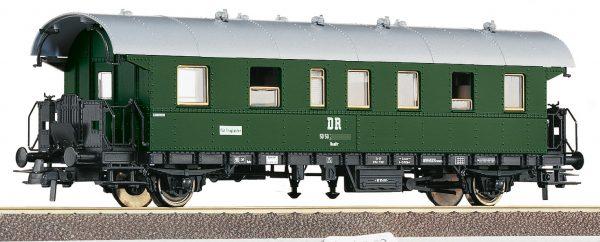 Roco 54202  2nd class passenger car, DR