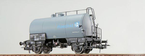 """ESU 36207  Tank car """"HOECHST"""", DB"""