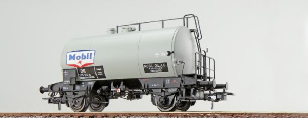"ESU 36231  Tank car ""MOBIL"", DB"