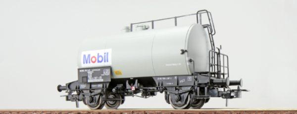 "ESU 36234  Tank car ""MOBIL"", DB"