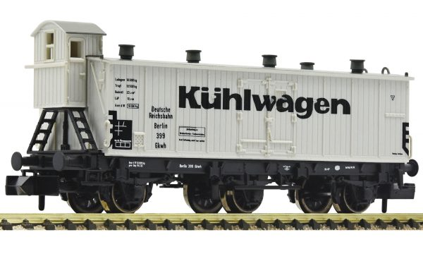 FLEISCHMANN 838101  3 axle refrigerated wagon, DRG