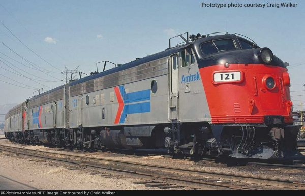 Walthers Proto 42515  EMD FP7, Amtrak (DCC w/Sound)