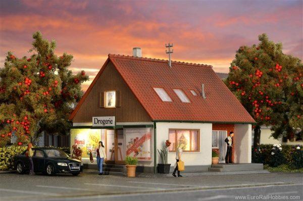 Kibri 8064  Family house with shop