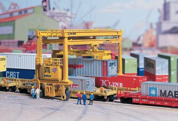 Walthers Cornerstone 3222  MI-JACK Translift Intermodal Crane