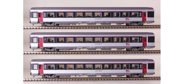 LS Models 40144  Three-piece express train passenger car set, SNCF