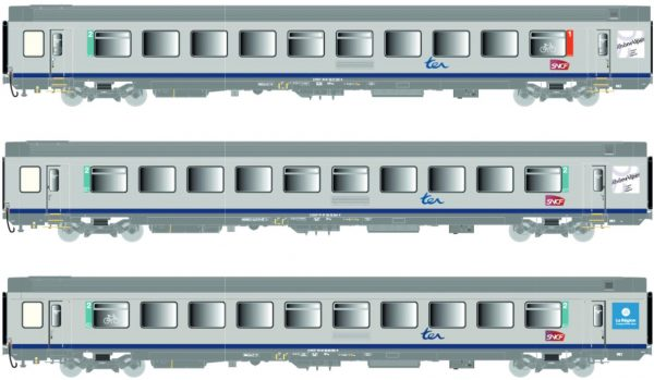 LS Models 41206  Three-piece express train passenger car set, SNCF