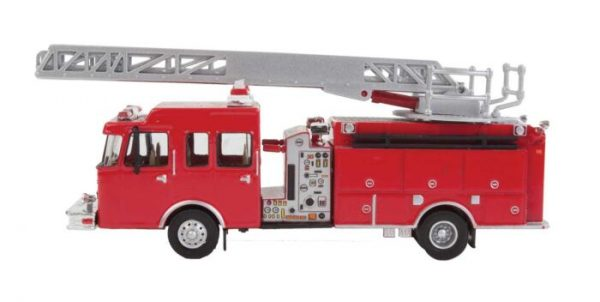Walthers SceneMaster 13801  Heavy-Duty Fire Engine - Red