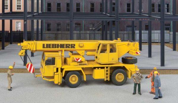 Walthers SceneMaster 11015  Two-Axle Truck Crane - Kit
